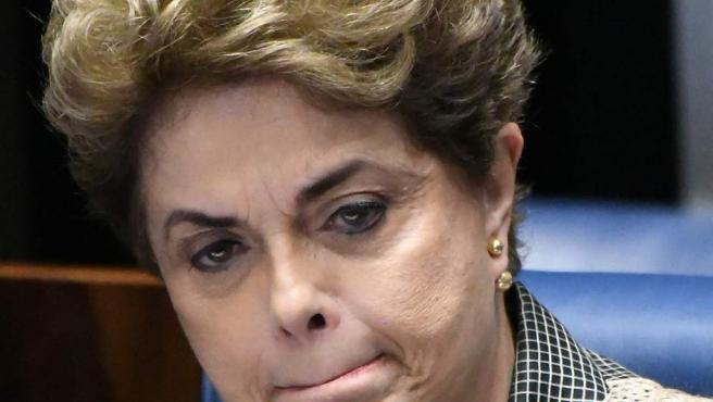 Dilma Rousseff, en una de las sesiones del juicio político en su contra en el senado brasileño.