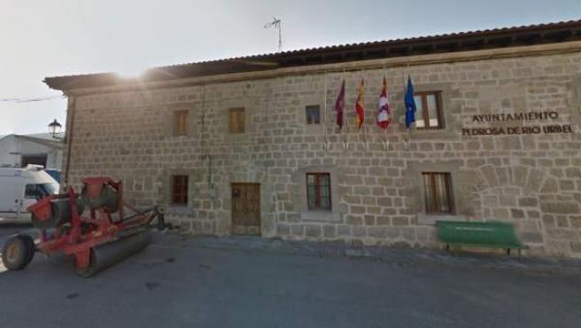 Imagen del Ayuntamiento de Pedrosa de Río Úrbel, provincia de Burgos.