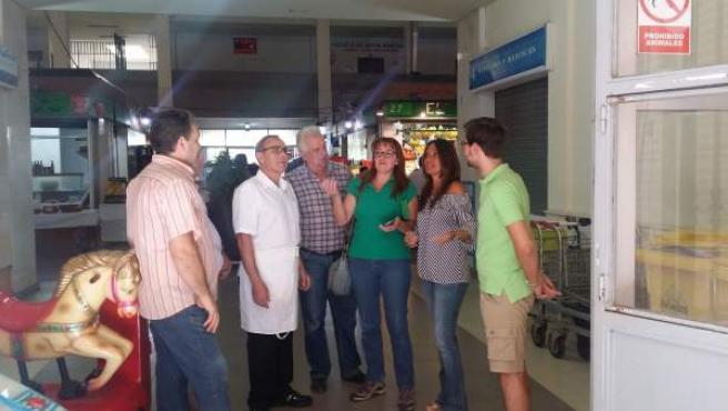 Visita del PP al mercado de Pino Montano (Sevilla)
