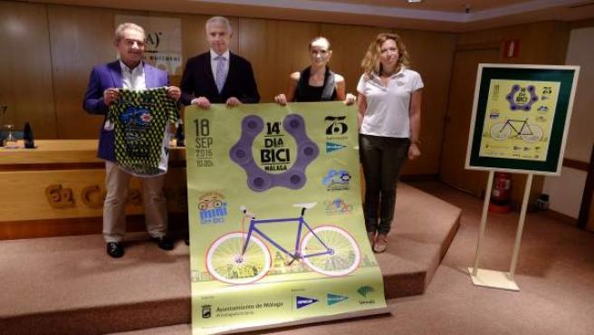 Elisa Pérez de Siles y Elvira Maeso Día de la Bicicleta
