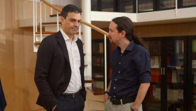 Pedro Sánchez y Pablo Iglesias, en una de las reuniones posteriores a las elecciones del pasado 20-D.