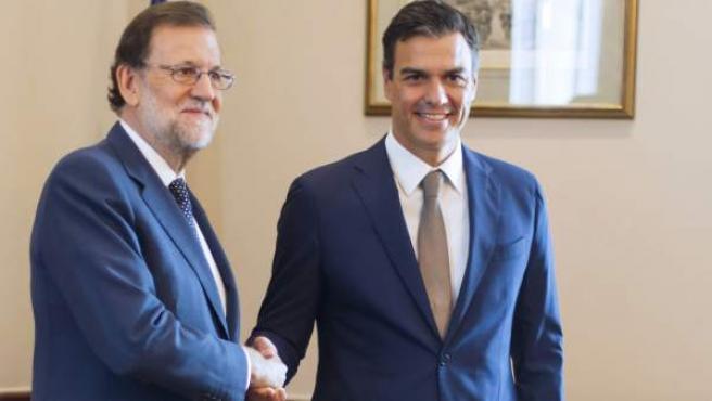 Reunión en Madrid previa a la sesión de investidura del 30 de agosto.