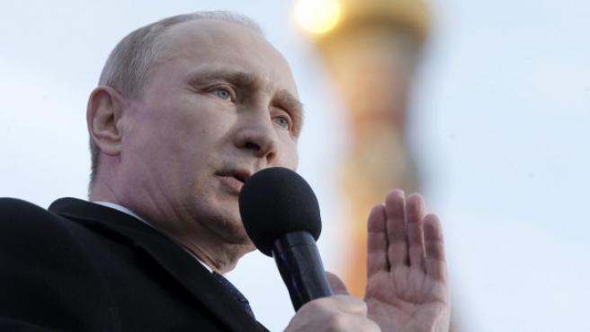 El presidente ruso, Vladímir Putin, pronuncia su discurso durante un concierto celebrado con motivo del primer aniversario de la anexión rusa de Crimea el miércoles 18 de marzo de 2015.