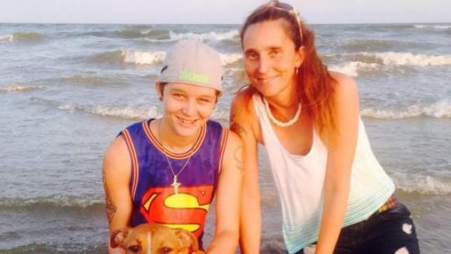 Patricia Spann (dcha.) y su hija Dawn.