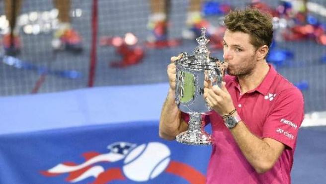 El tenista suizo Stanislas Wawrinka vence al número uno del mundo Novak Djokovic para conquistar el US Open, el 11 de septiembre de 2016.