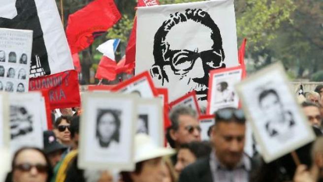 Chile recuerda a Allende a 43 años del golpe de Pinochet