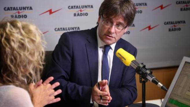 El presidente de la Generalitat, Carles Puigdemont, en una entrevista con 'Catalunya Radio'.