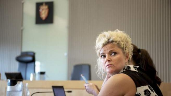 La peluquera noruega Merete Hodne, sentada durante un juicio en Sandnes, Noruega. Fue acusada de rechazar a una clienta que portaba un hijab.