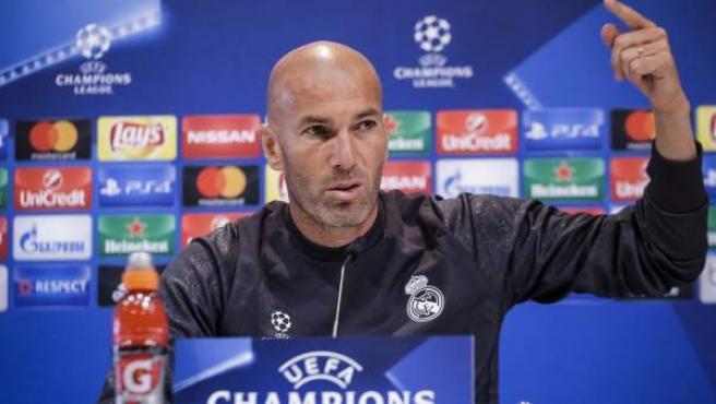 Zinedine Zidane, entrenador del Real Madrid, en rueda de prensa previa a la Champions.