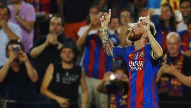 Leo Messi celebra uno de sus goles ante el Celtic de Glasgow.