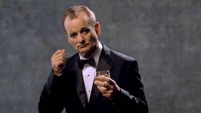 Así se las gasta Bill Murray como barman en un bar de Brooklyn