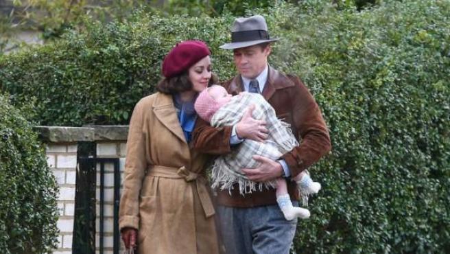 Marion Cotillard y Brad Pitt durante el rodaje de 'Aliados'.