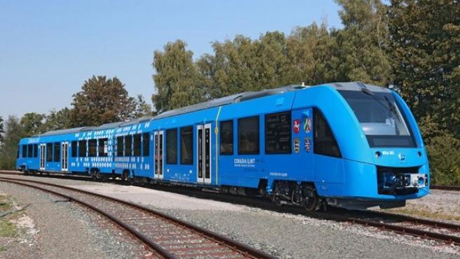 El 'Coradia iLint' es un nuevo tren regional libre de emisiones de CO2 y es una alternativa a la energía diésel.
