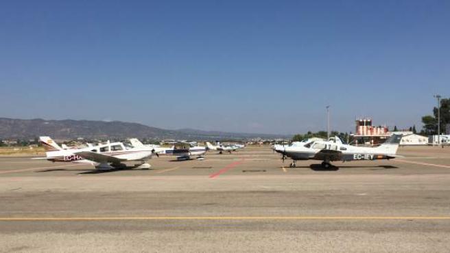 Aeronaves del rally en el Aeropuerto de Córdoba