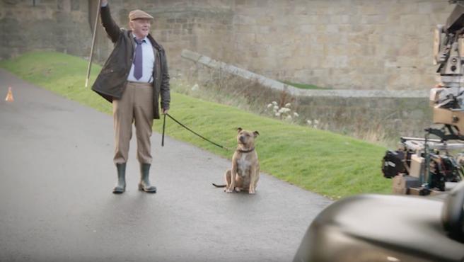 'Transformers: El último caballero': Anthony Hopkins rueda con la perra más solitaria de Gran Bretaña