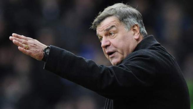 El ex entrenador del Sunderland, Sam Allardyce, ha sido elegido nuevo seleccionador de Inglaterra.