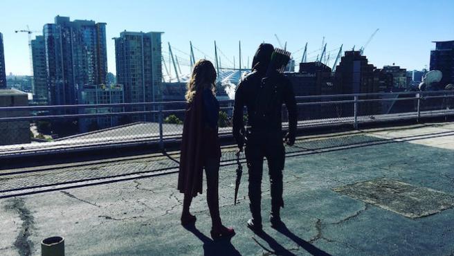 Supergirl y Arrow comparten horizonte