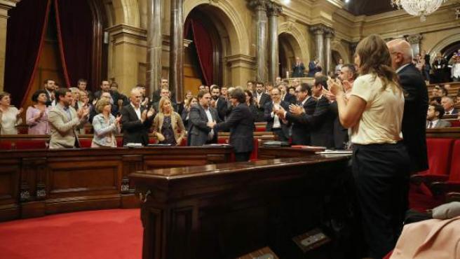 Carles Puigdemont tras superar la cuestión de confianza del Parlament.