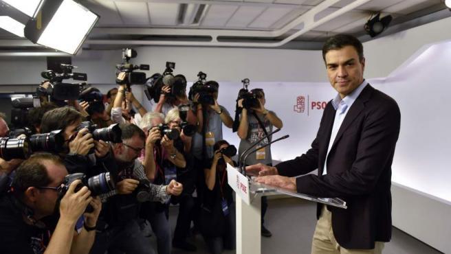 El secretario general del PSOE, Pedro Sánchez, durante la rueda de prensa en la que ha anunciado su dimisión.