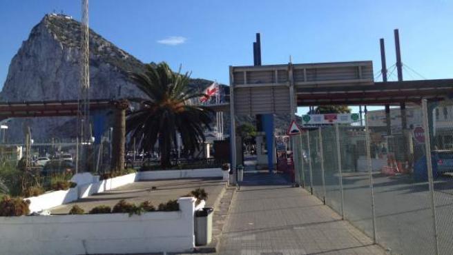 Imagen de la frontera de Gibraltar desde La Línea.