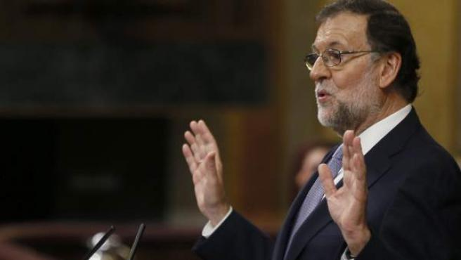 Mariano Rajoy, gesticulando en la primera sesión del debate de investidura.