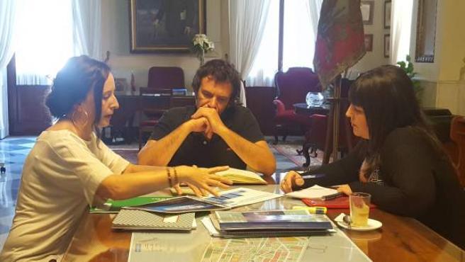 El alcalde de Cádiz con la delegada de Turismo de la Junta
