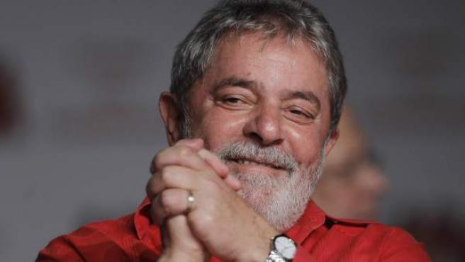 Fotografía de archivo del expresidente de Brasil Lula da Silva en el 31 aniversario del Partido de los Trabajadores en Brasilia.