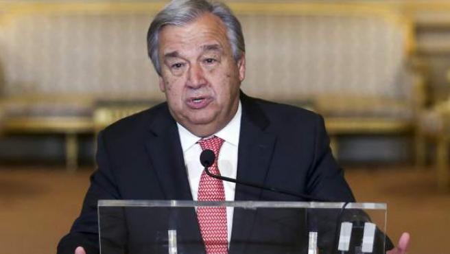 El ex primer ministro de Portugal y ex alto comisionado de las Naciones Unidas para los Refugiados, Antonio Guterres, pronuncia su discurso en el Palacio de las Necesidades en Lisboa, Portugal