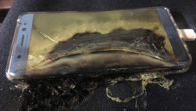 Un Galaxy Note 7 totalmente quemado.