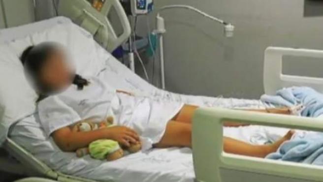 Una niña de 8 años, hospitalizada tras recibir una paliza de 12 compañeros en Palma de Mallorca.