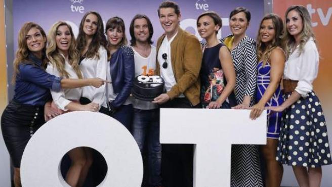 Gran parte de los concursantes de la primera edición de 'Operación Triunfo' en la presentación de 'OT: El reencuentro'.