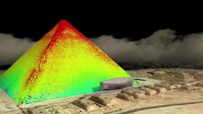Una recreación termográfica de la pirámide de Keops, en Giza, donde se han localizado dos nuevas cavidades gracias a la tecnología de termografía infrarroja.