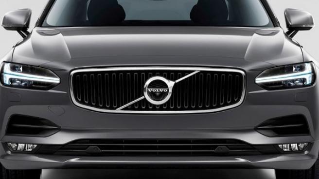 Luces de xenón, bi-xenón o de LED, son las luces más comunes hoy en día en los vehículos.