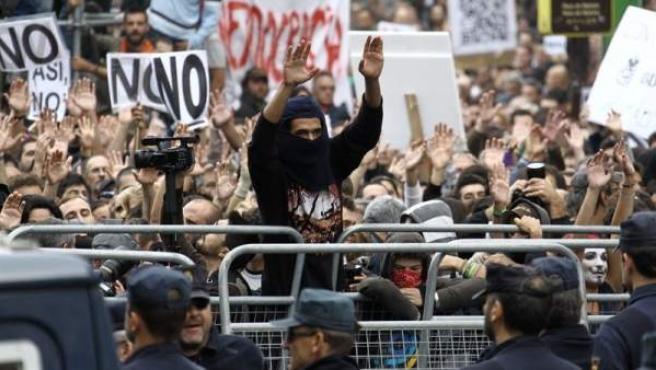 Manifestación alrededor del Congreso convocada por la coordinadora 25S.