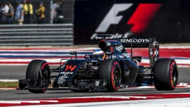 Fernando Alonso, al volante del McLaren en Austin.
