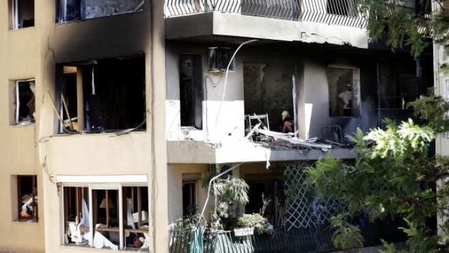 Estado en el que ha quedado la vivienda que ha explotado en el centro de Premià de Mar (Barcelona).