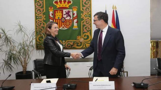 Gamarra y Ballesta, tras firmar el convenio