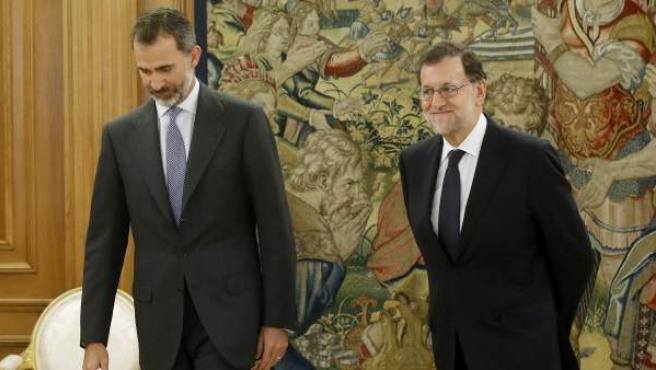 Mariano Rajoy, con el rey durante la última ronda de contactos parta formar Gobierno.
