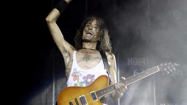 El guitarrista y cantante de Extremoduro, Robe Iniesta, durante el concierto que el grupo ofreció en Madrid el pasado 12 de septiembre.
