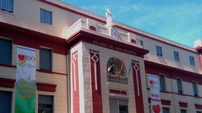 Detalle de la fachada del colegio de San Agustín de Ceuta.