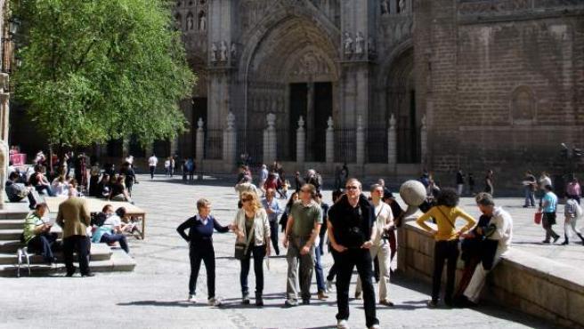 Turistas de visita en Toledo.