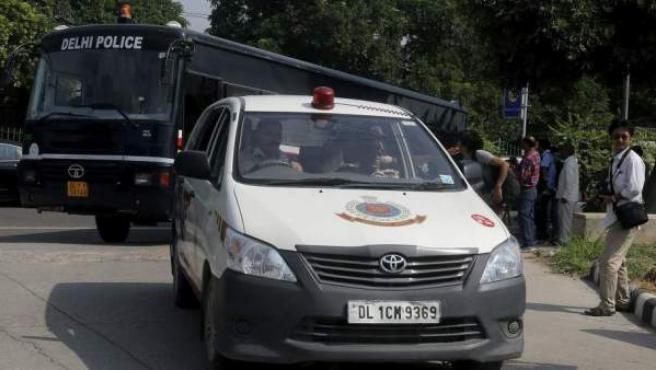 Un furgón de la policía india en Nueva Delhi.