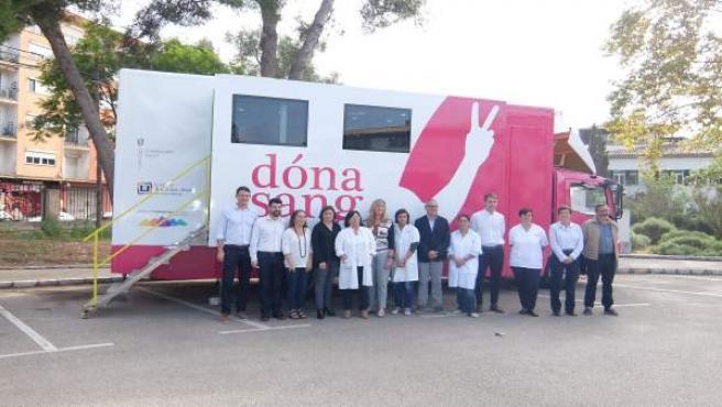 El Consell de Malorca dona un camión a la Fundación de Banco de Sangre