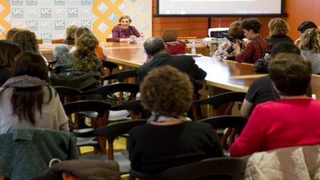 La consejera de Sanidad, María Luisa Real, clausura jornada de drogodependencias