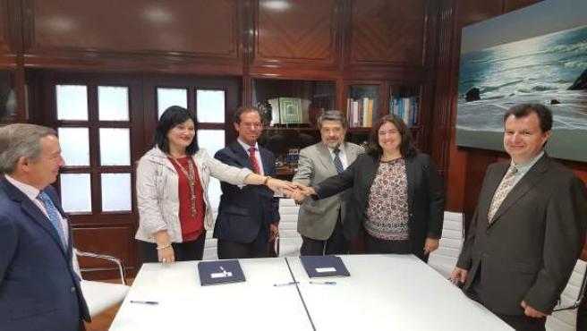 Rnv: NP La Autoridad Portuaria De Huelva Acuerda Con La Universidad De Sevilla R