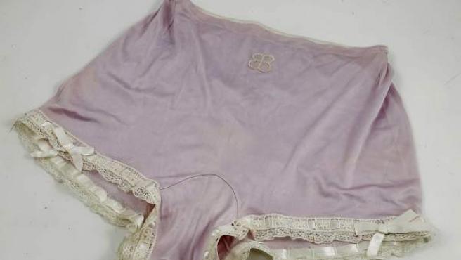 La ropa interior de Eva Braun subastada en Londres.