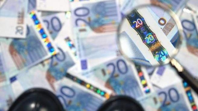 Una sicav es un instrumento utilizado principalmente por las grandes fortunas porque les permite invertir parte de su dinero y diferir el pago de impuestos.