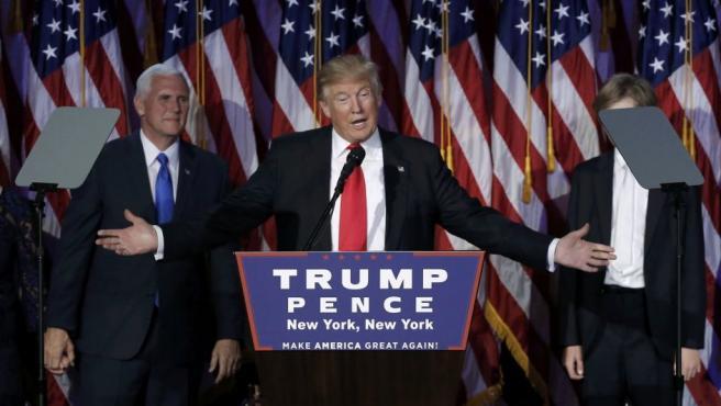 El candidato republicano, Donald Trump, pronuncia su discurso tras ganar las elecciones a presidente de los EE UU.