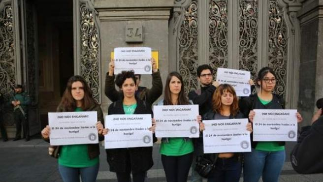 El Sindicato de Estudiantes presenta la huelga del 24 de noviembre ante el Ministerio de Educación.