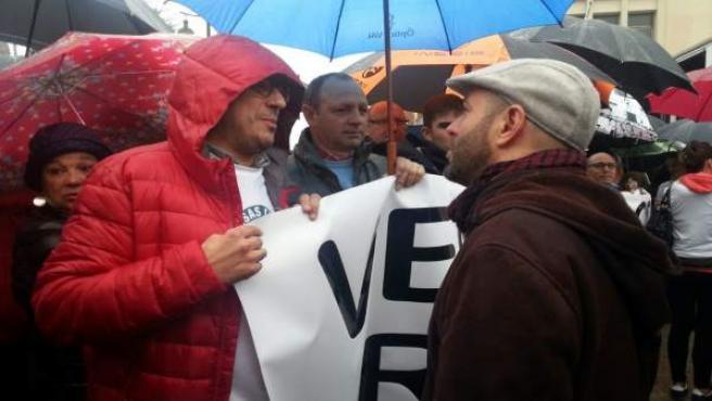 El portavoz de En Marea, Luís Villares, en la concentración de Ferroatlántica